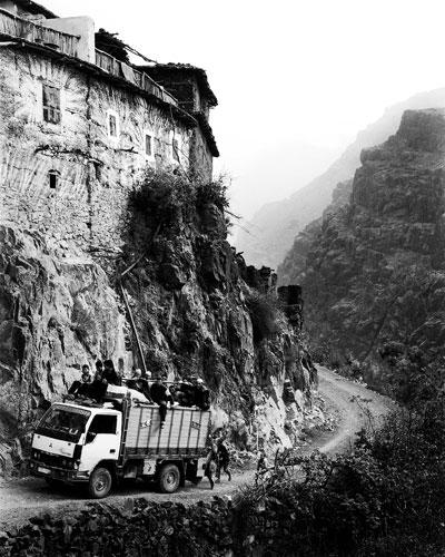 Morocco High Atlas Agoundis Tagharghist Berber truck © BartDeseyn