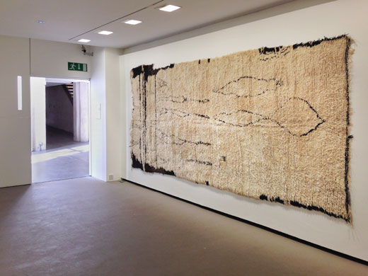 the Douglas Hyde Gallery, Dublin, Ireland: 'Textiles from the Atlas Mountains', Beni Ouarain sleeping rug with very exceptional drawing, first half / mid 20th century